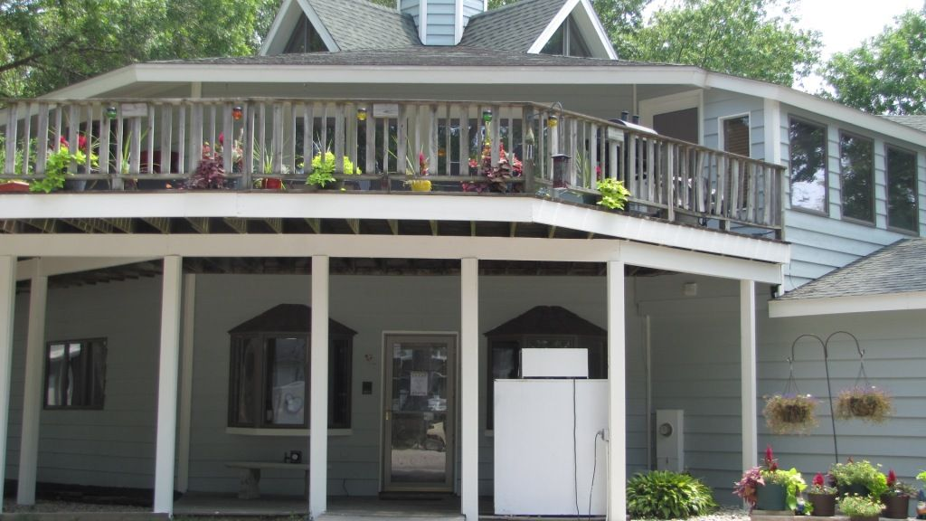 Page 2 Park Gallery Island On The Chain Rv Park Chicago Permanent Site Rv Park Midwest Permanent Site Campground Octagon House Rv Parks Summer Living