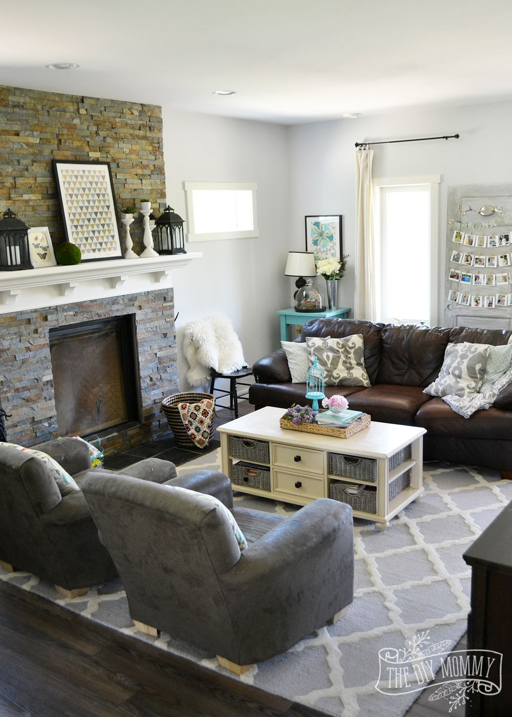 Our Diy House 2015 Home Tour The Diy Mommy Brown Living Room Decor Brown Living Room Living Room Turquoise #teal #brown #living #room