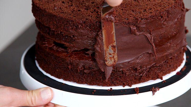 saftiger schokoladenkuchen f r motivtorten basics kochen. Black Bedroom Furniture Sets. Home Design Ideas