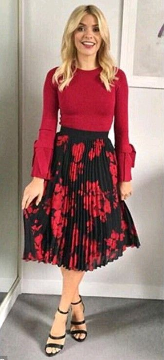 4b89651f77 Holly Willoughby in a black and red skirt from H&M | Outfit in 2019 ...