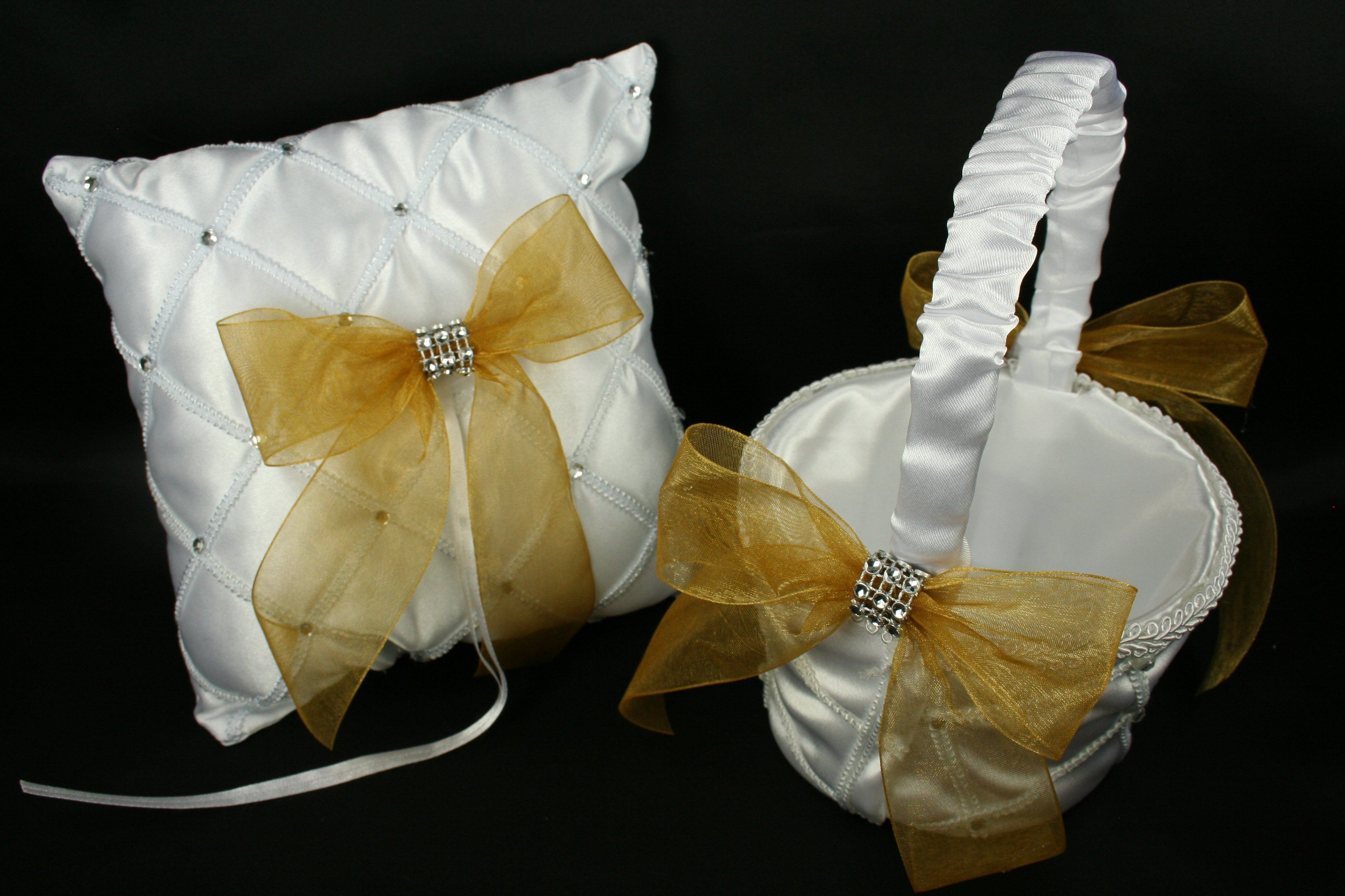 White wedding set lattice design pillow and basket organza bow