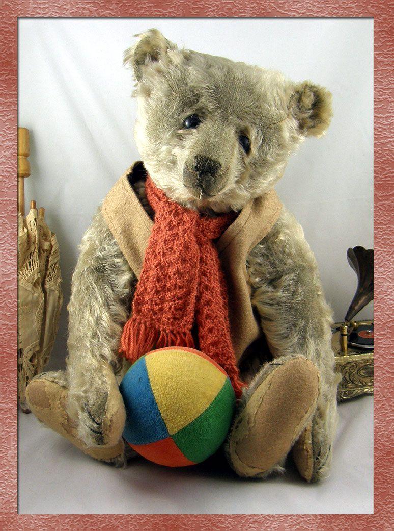 Gorgeous Old Boy | Sweet Heart Teddy Bears | Old teddy bears