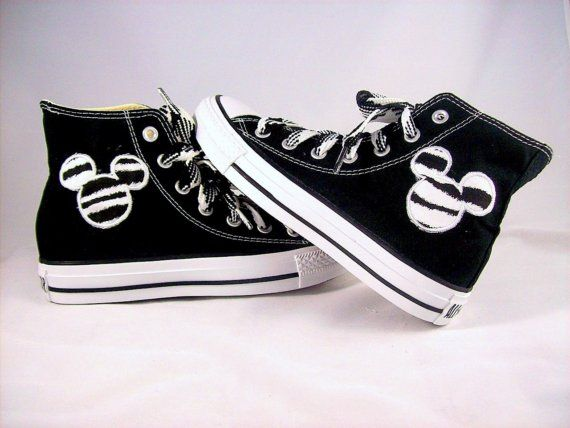 8ae35ea3b5d712 My youngest has a slight obsession w Chucks .. she would LOVE these ...