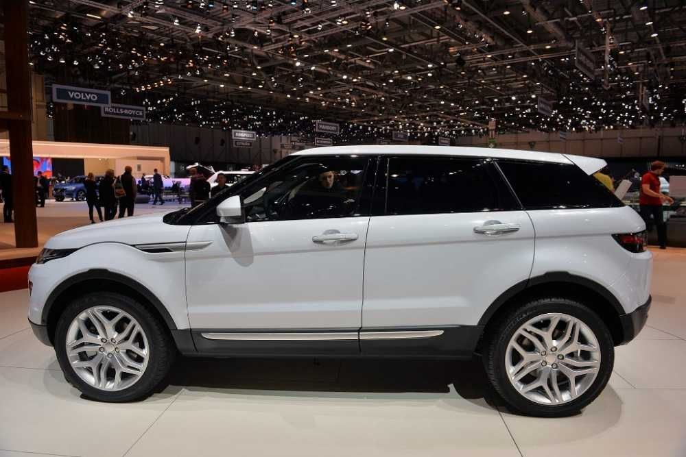 2017 Land Rover Range Evoque Auto Show Side View White Color Alloy Wheels