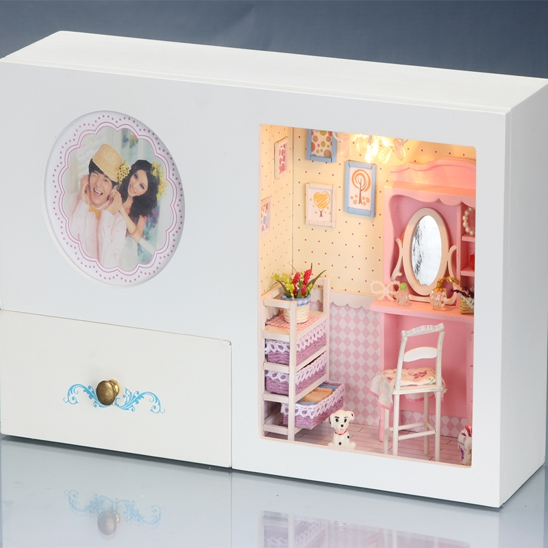 59.45$  Buy here - http://aliqof.worldwells.pw/go.php?t=32647946096 - Gifts Brand DIY Doll Houses Wooden Doll House Uniex Furniture Doll House Furniture Miniature crafts dolls Storage box 128-13