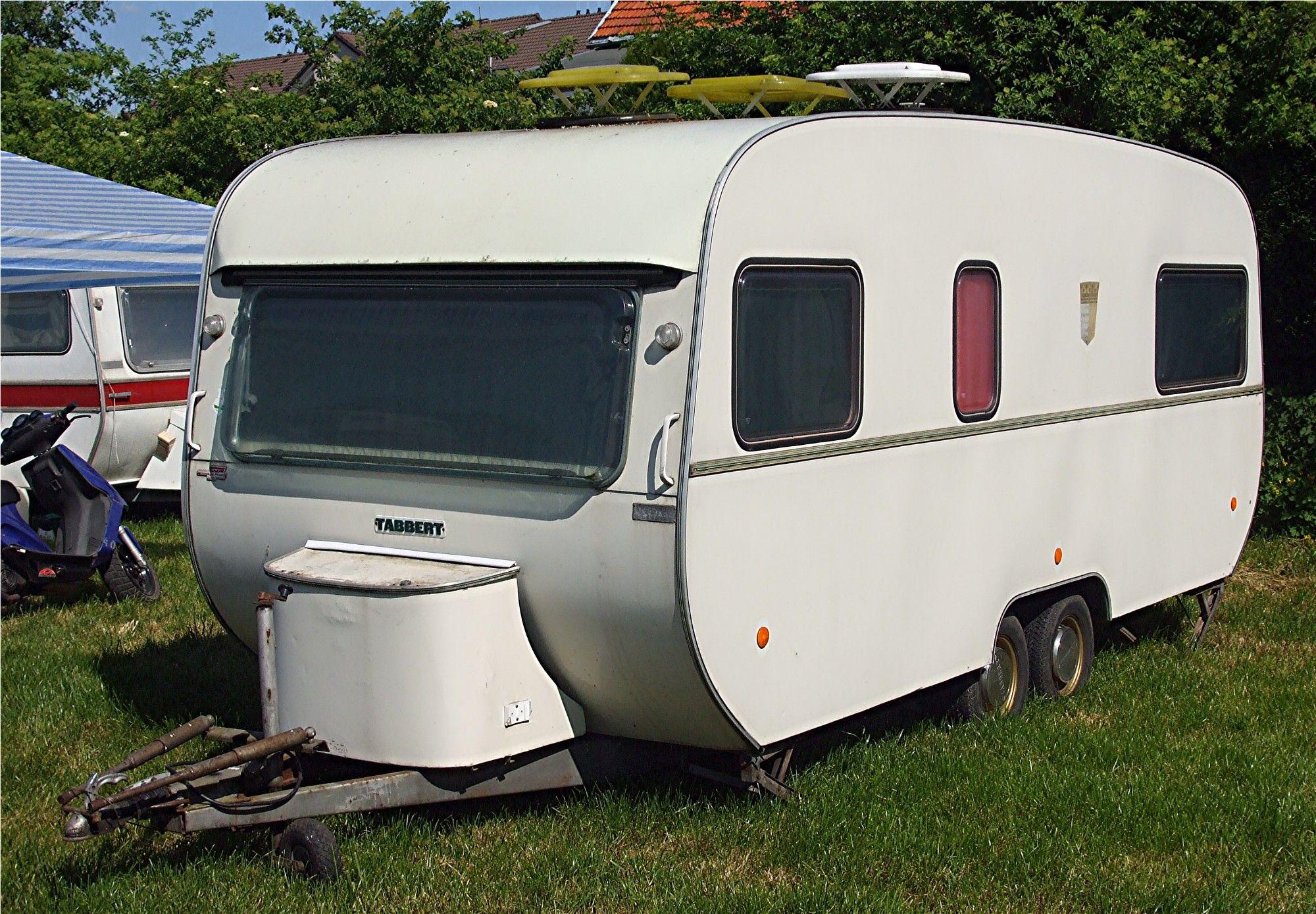 une caravane tabbert de 2 essieux des ann es 70 39 caravanes tabbert pinterest caravane. Black Bedroom Furniture Sets. Home Design Ideas