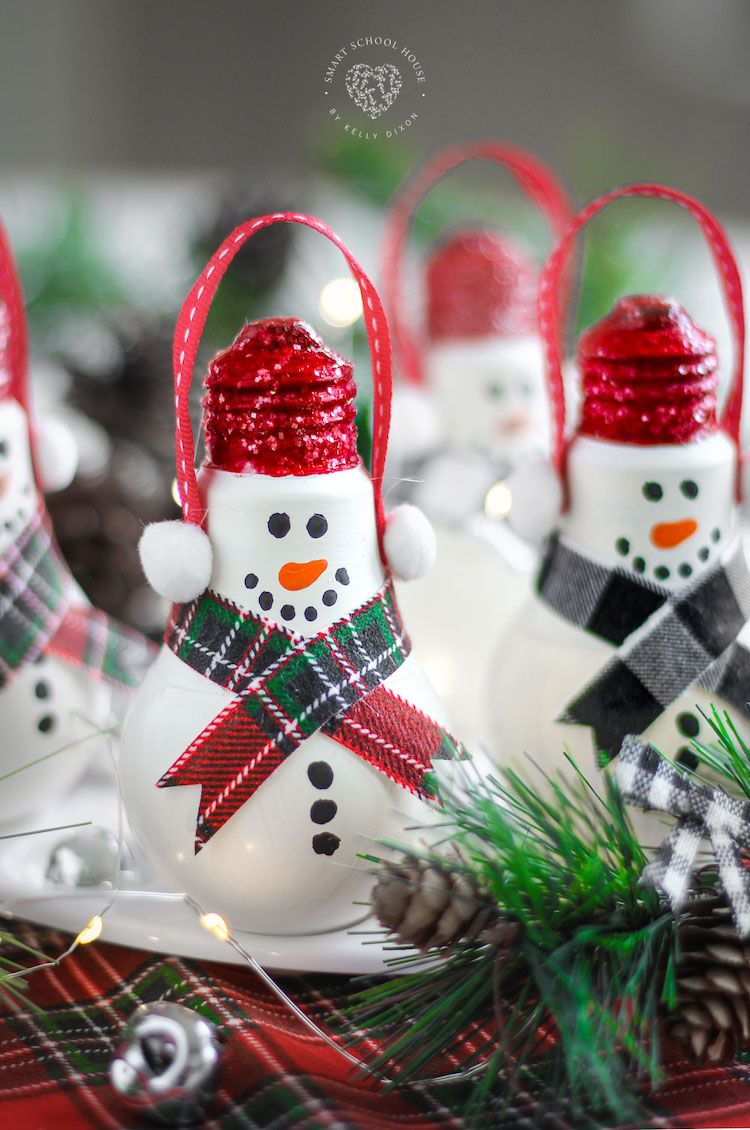 Shatter Proof Light Bulb Snowman In 2020 Christmas Crafts Diy Holiday Crafts Crafts