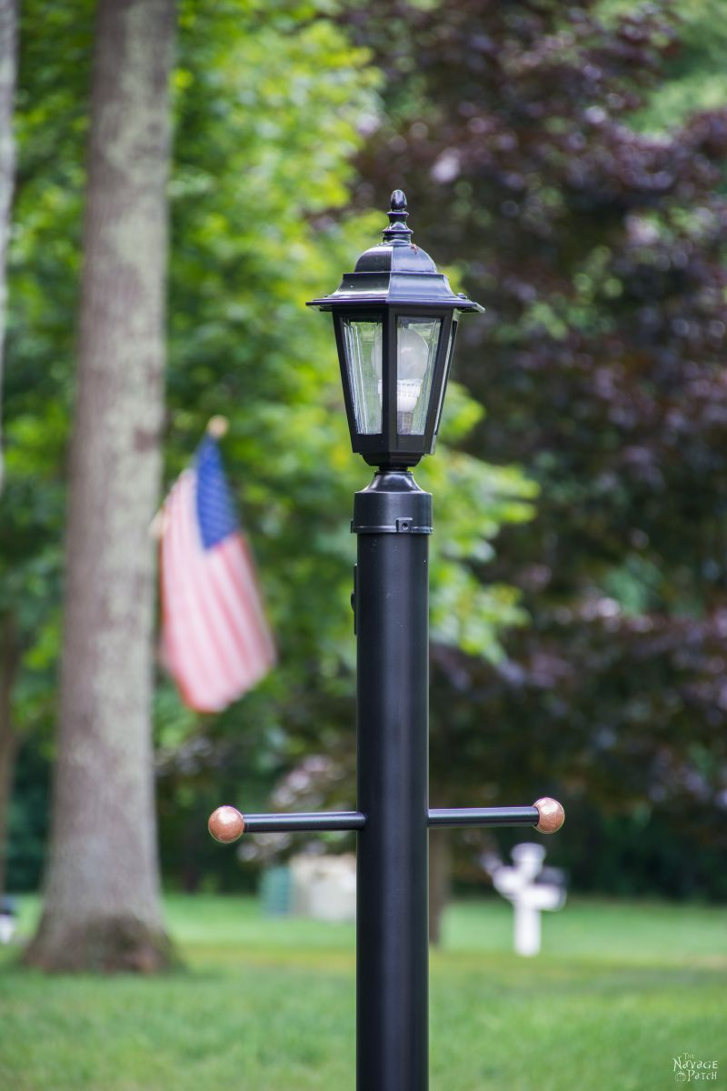 Lamp Post Makeover And How To Create A Perfect Circle Flower Bed