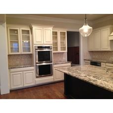 Kabinart Maple Cabinets Starlight With Coffee Glaze The Estates At