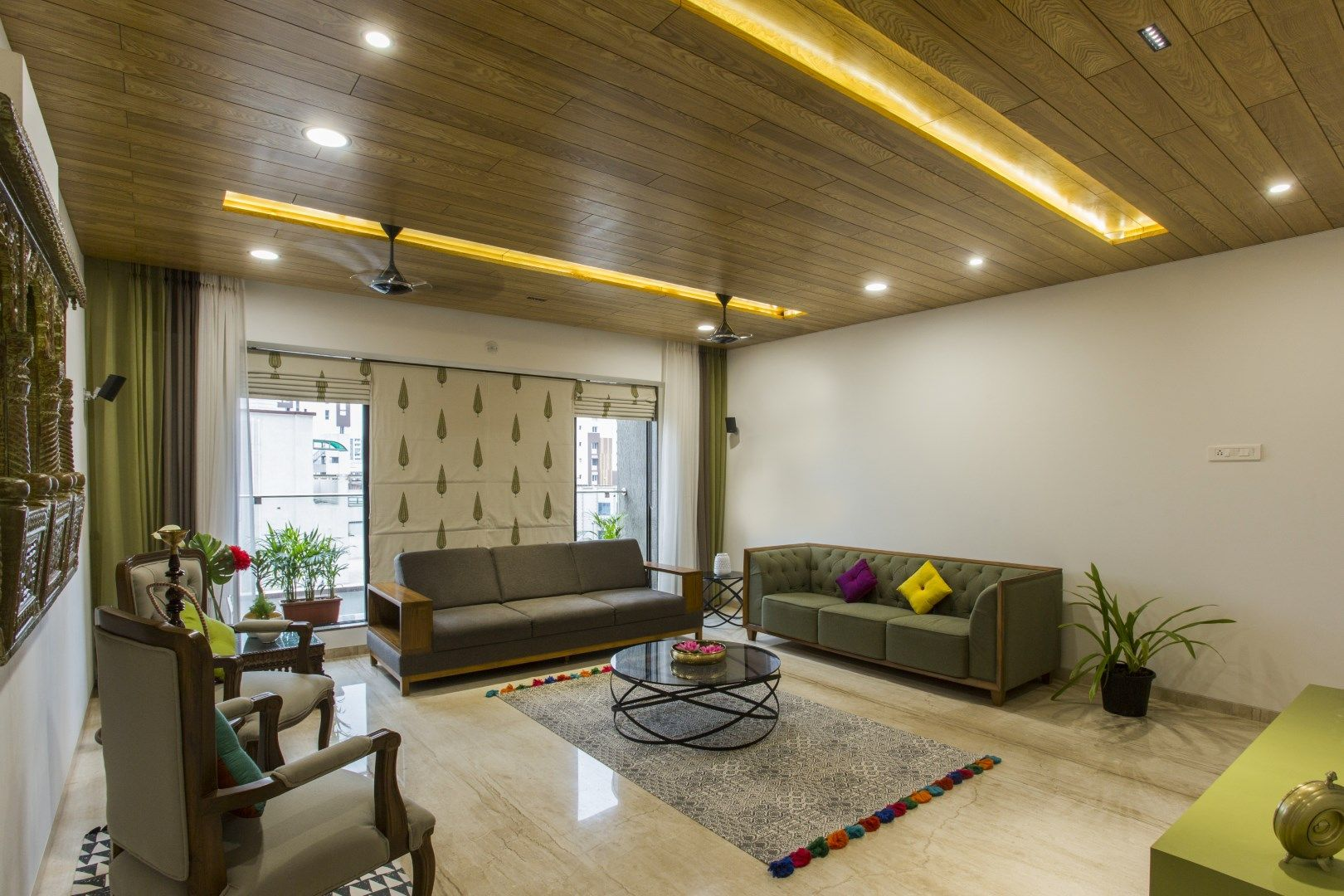 Fusion of modern and traditional house living room decor ideas