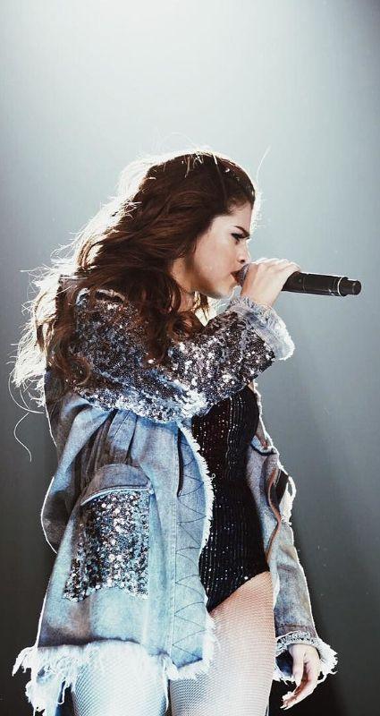 Selena Gomez ♥  Revival Tour Budweiser Gardens May 2016                                                                                                                                                     More