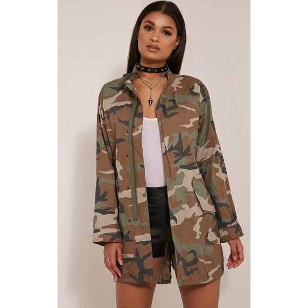 Edita Khaki Camouflage Shacket-M/L (3.705 ISK) ❤ liked on Polyvore featuring tops, green, zip up top, camo print top, longline tops, khaki top and shirt jacket
