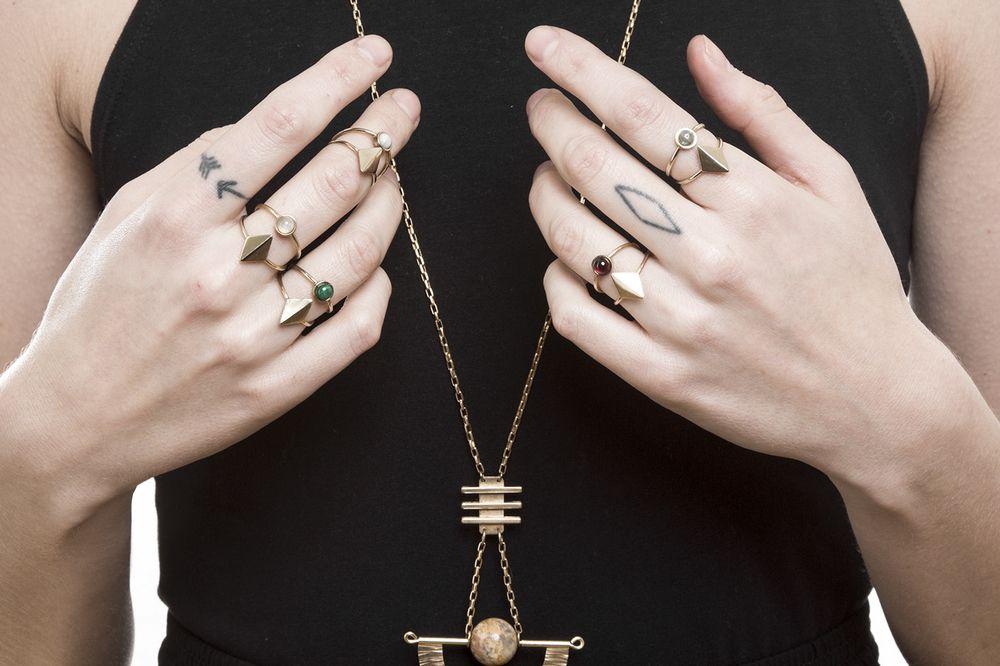 Dia Ring