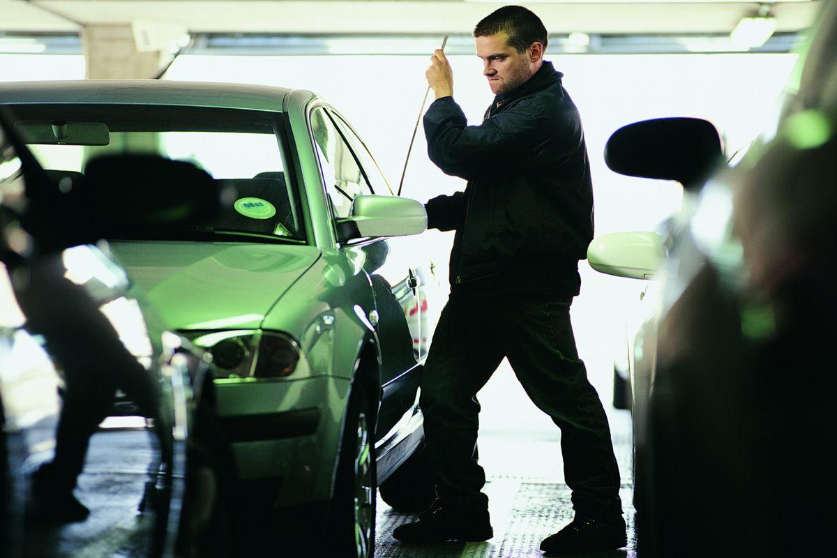 Do slim jims trigger sideimpact airbags? Car insurance