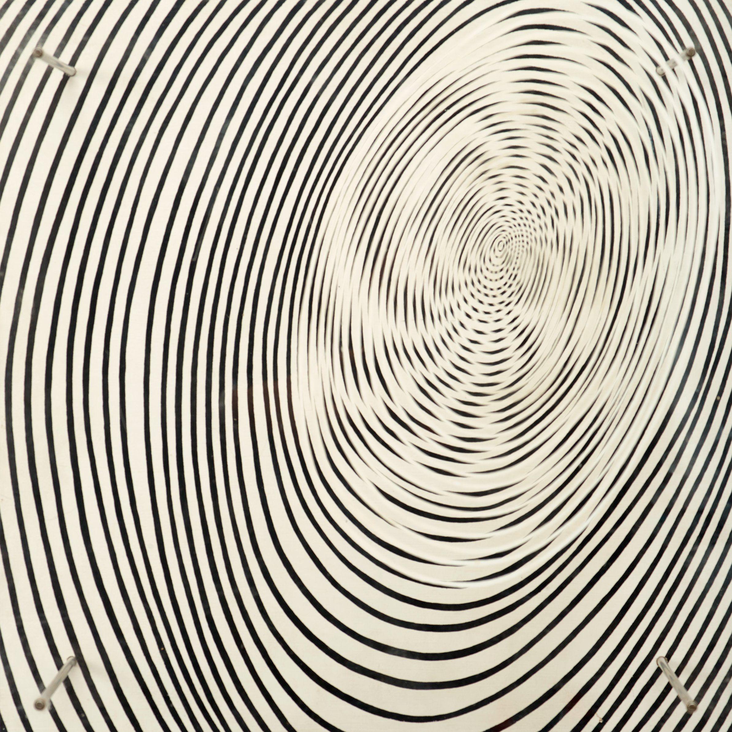 """JESÚS RAFAEL SOTO, """"La Spirale"""".  Jesus Rafael Soto  1969. Utgiven av Edition Mat 96/100. Trä, plexiglas och metall 50 x 50 x 26,5 cm."""