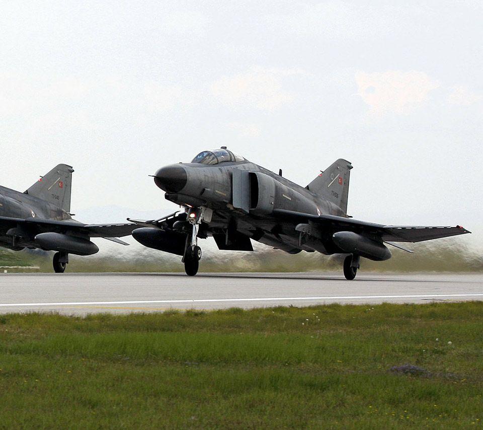 F-4 Phantom II,F-4,jet,interceptor Fighter,fighter-bomber