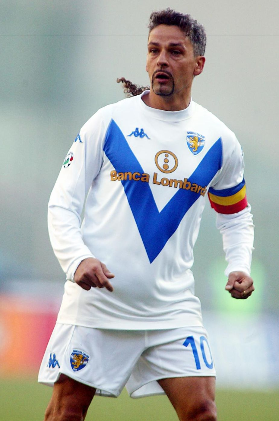брутальный фото футболиста роберто баджо трал