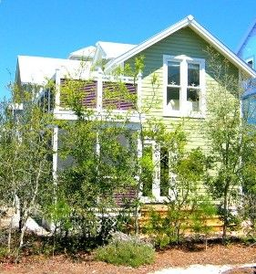 Sandpiper Cottage with Back Deck & Screened Porch
