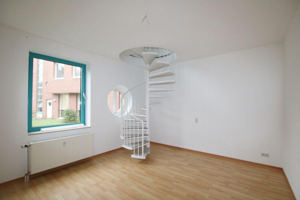 #Köln - #Wohnungssuche - 2,5 Zimmer Maisonette Wohnung ab 16.01. zu vermieten.  2,5 Zimmer Maisonette Wohnung in Köln - 65 qm - mit Gäste WC - ab 16.01. zu vermieten.  Kontakt und Informationen finden Sie unter http://www.miettraum.com/weiterleitung.php?id=92311997