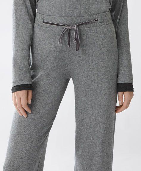 Novedades En Ropa Para Estar En Casa Y Dormir Oysho Ropa Pijamas Femeninas Ropa Deportiva