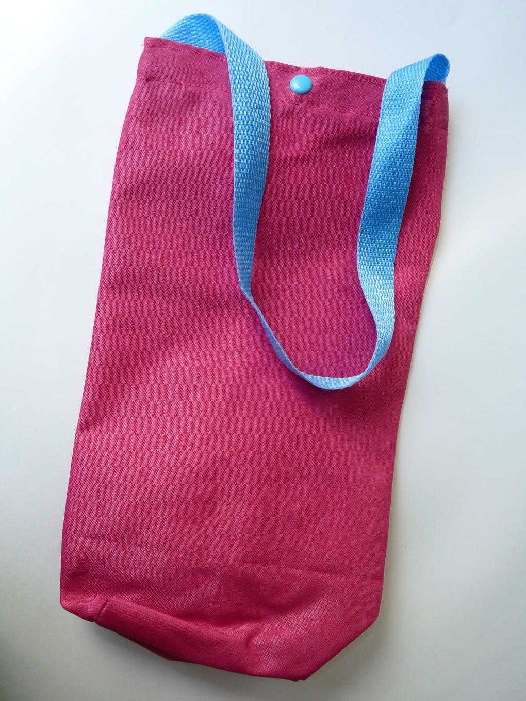 bfaff76c7 Bolsa plástica con correa. Para el termo, la botella de gaseosa o las  bolsita de la cocina