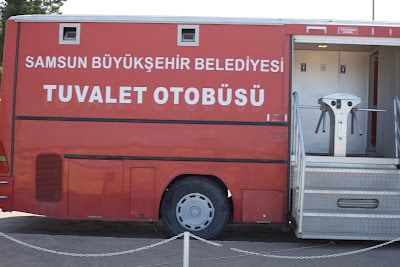 Toilet bus, Samsun, Turkey. polskaturka.com
