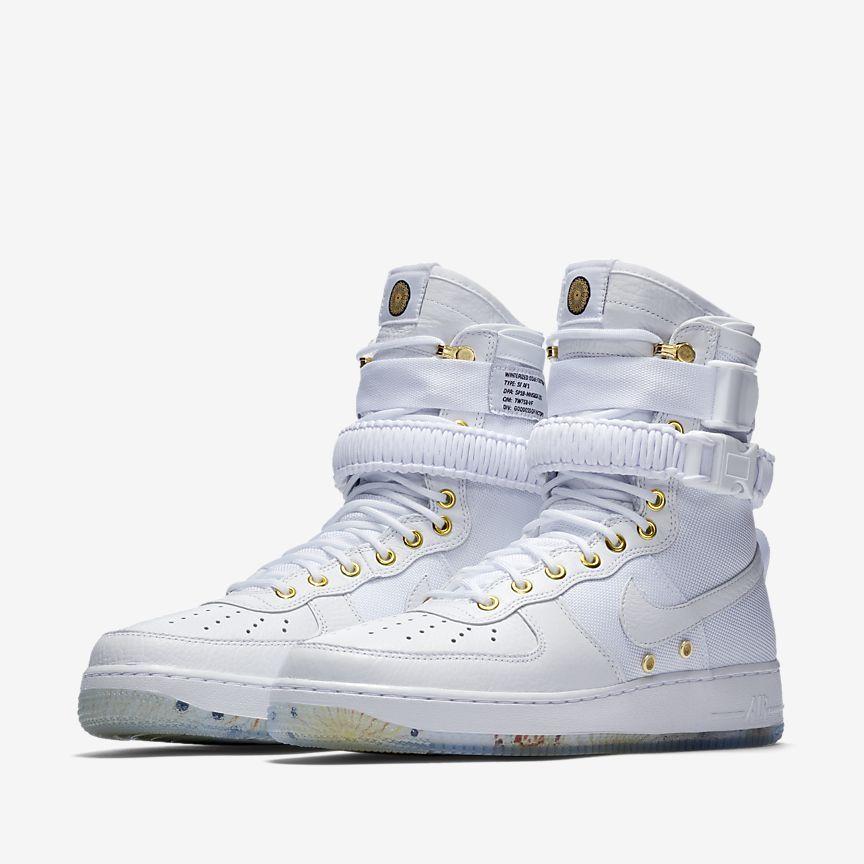 Nike SF Air Force 1 LNY QS White White Metallic Gold