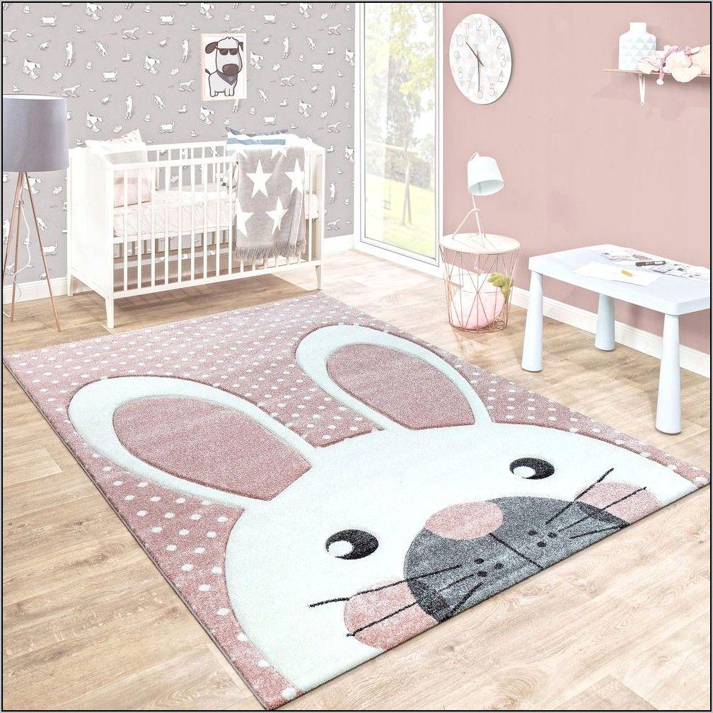 deco chambre bebe fille tapis lapin