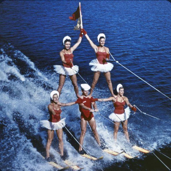 Postcard Cypress Gardens Fl Florida Human Pyramid on water
