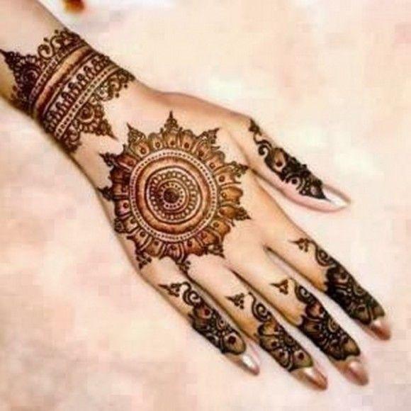 circle mehndi designs for hands 2012