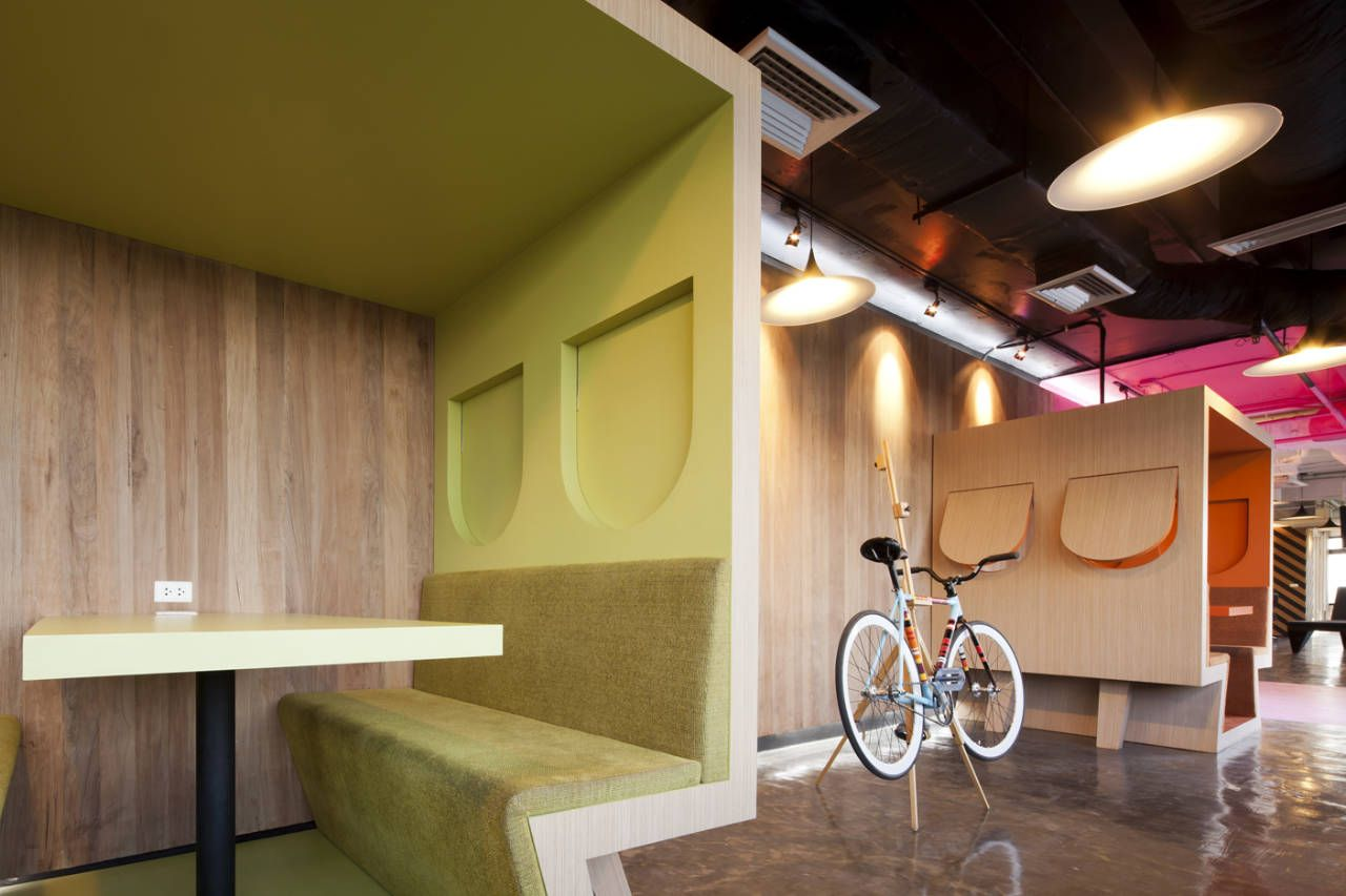 Pods in the Saatchi and Saatchi Thailand office | Space(s ...