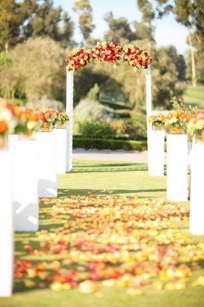 Beautiful fall wedding ceremony #fallwedding #autumnwedding #ceremony #aisle #weddingdecor