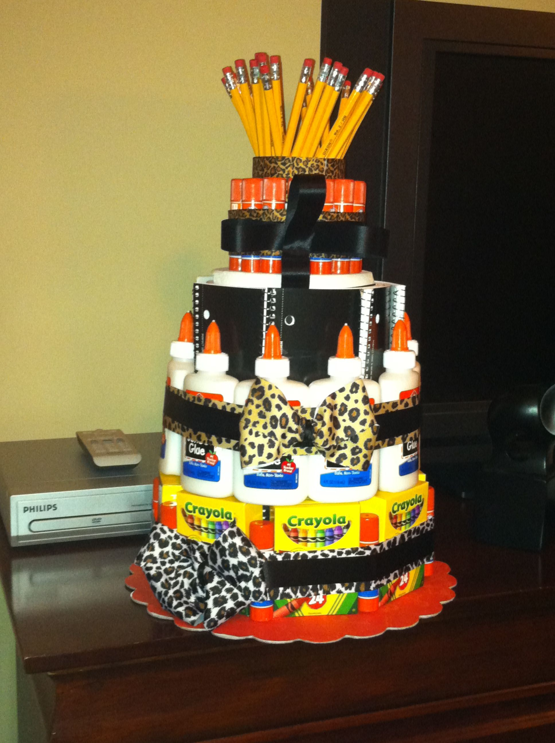 I made the school supply cake with a safari theme for my