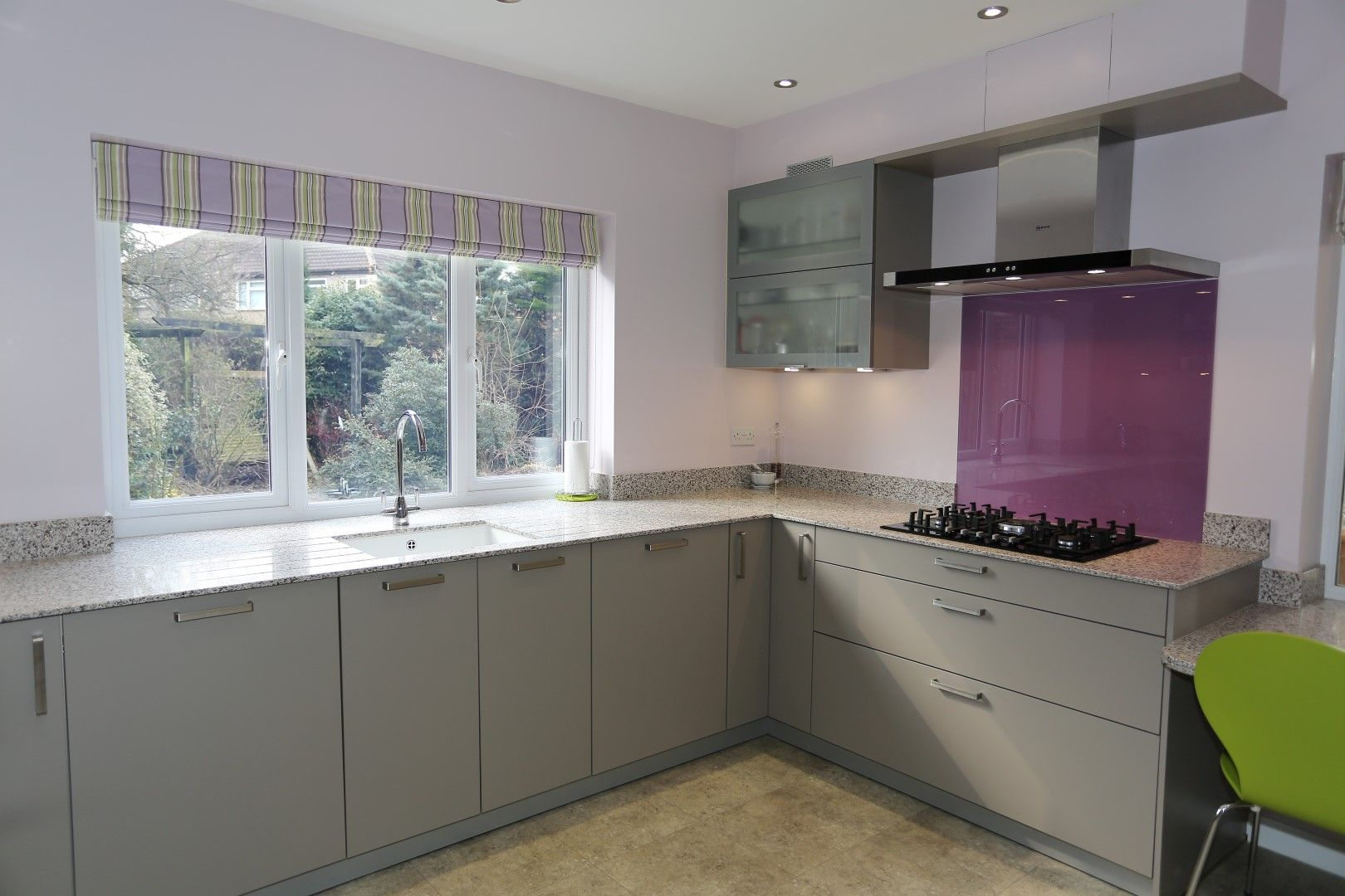 Best Contemporary Modern Shiny Grey Kitchen With Purple 640 x 480