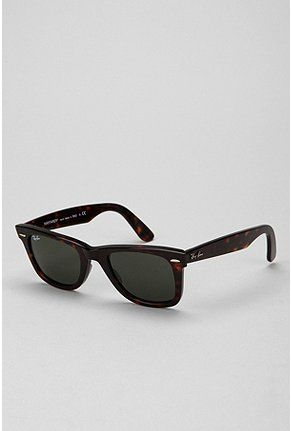 Ray-Ban Classic Wayfarer Sunglasses - Urban Outfitters