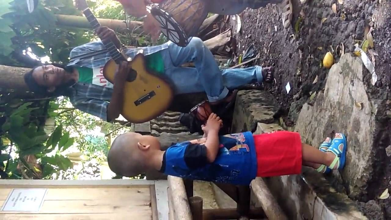 Video Lucu Anak Joget Bella Pinterest Watches And Videos