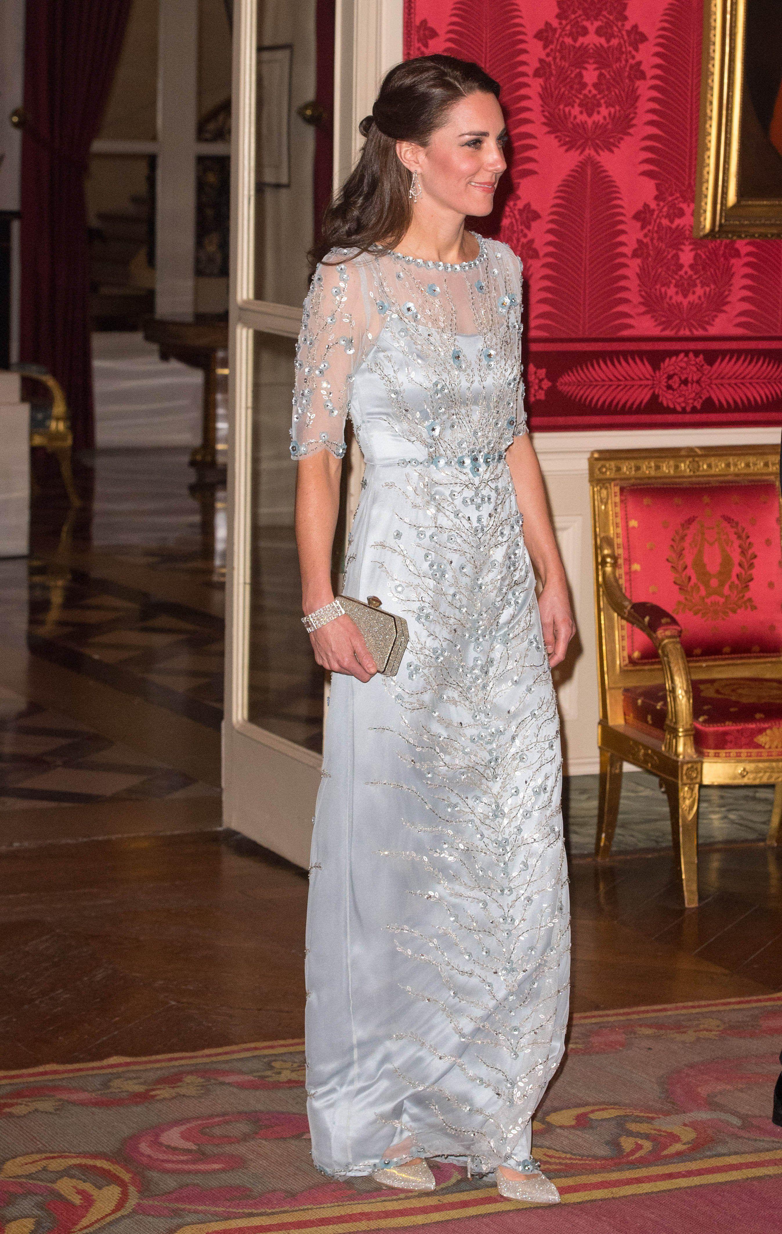 Kate Middleton usou um vestido igualzinho ao da Blair Waldorf ...