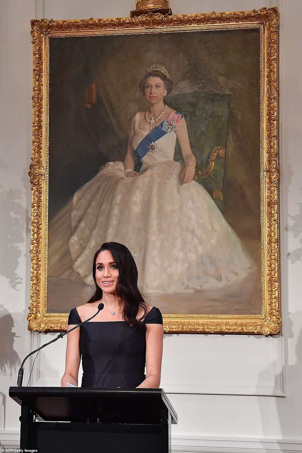 Harry And Meghan Land In Wellington For A Traditional