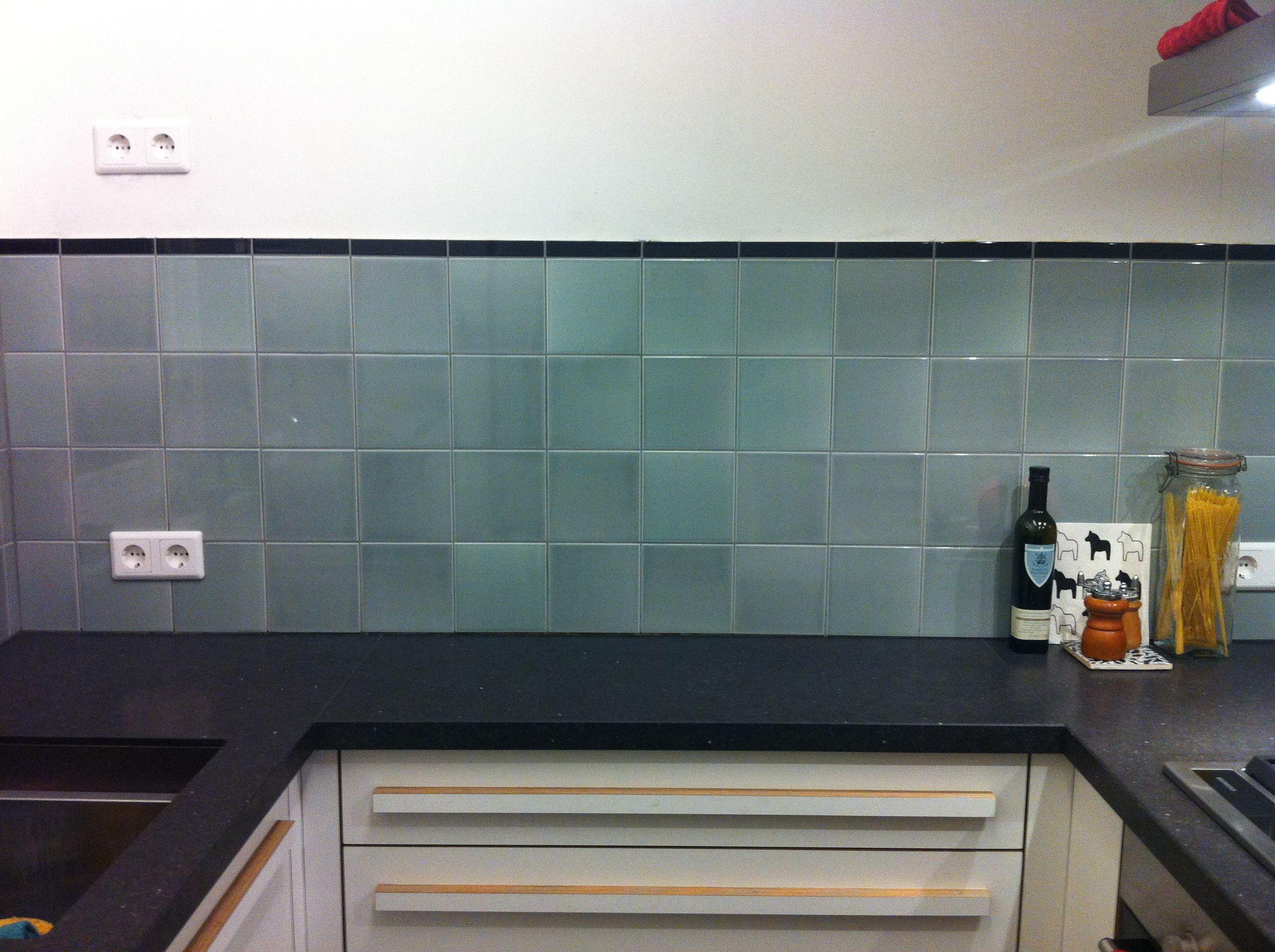 Keuken Tegels Mozaiek : Wandtegels piet zwart keuken tinglazuur mooie nuances