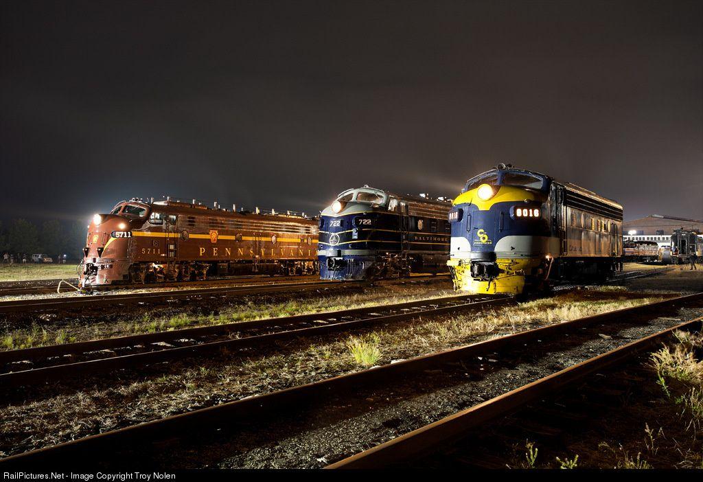streamliners at spencer event emd f7as at spencer north carolina by troy nolen old trains model railroad train engines pinterest