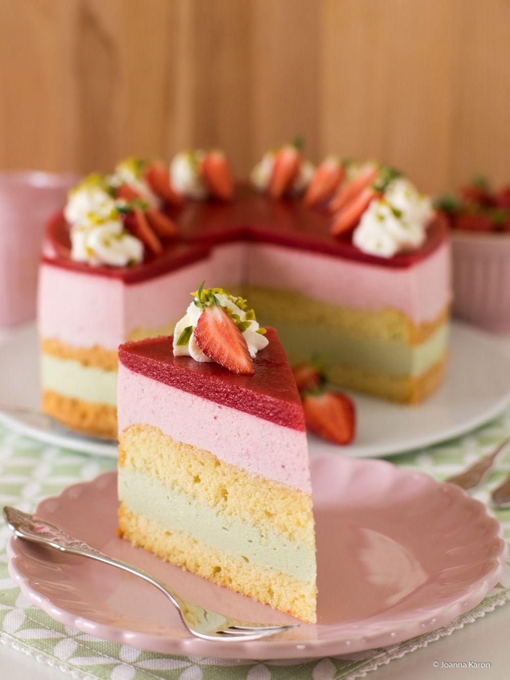 Erbeer Torte Mit Pistazien Creme Baking Kuchen Creme Und Dessert