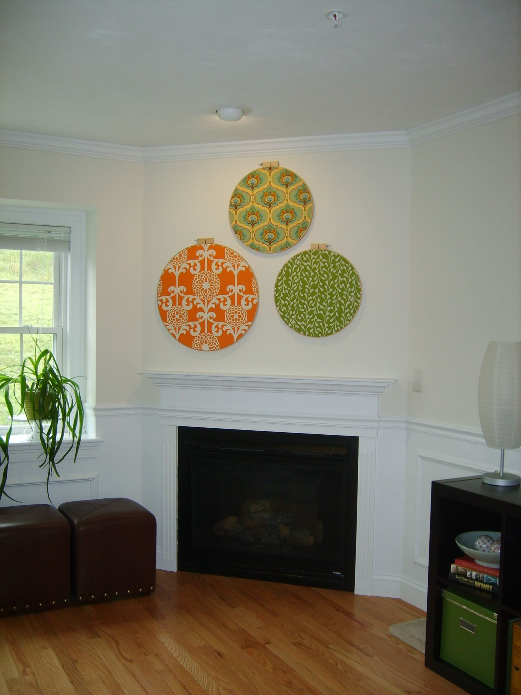 My Inexpensive Living Room Wall Art Using Quilting Hoops
