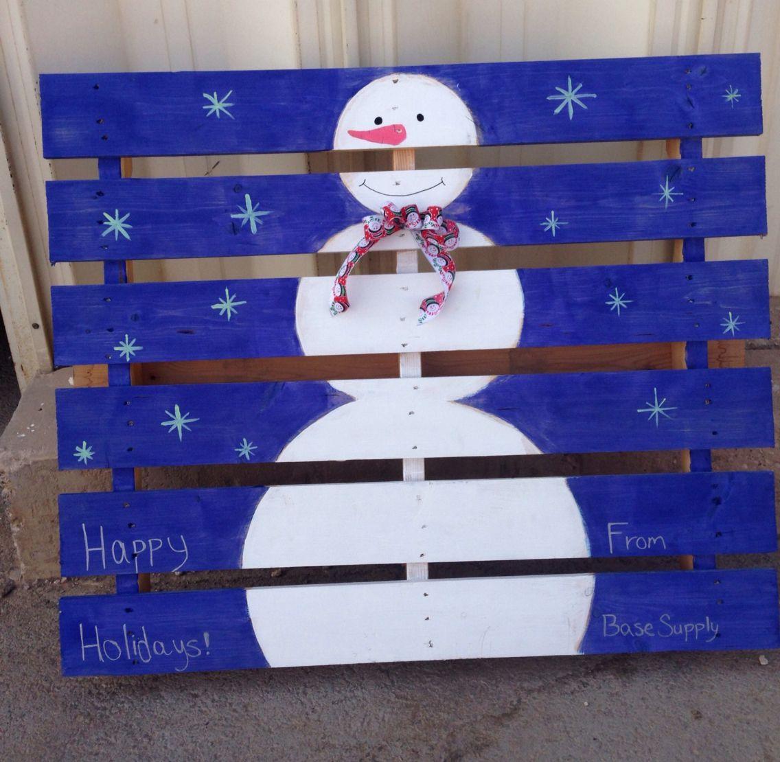 Cute Snowman Pallet made by my coworker⛄️ (BH) #DIY | Cute ...