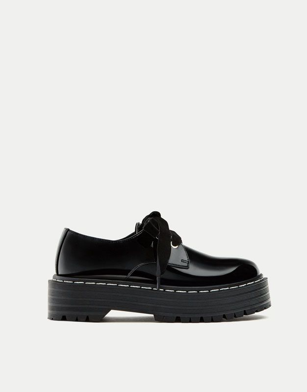 Blucher cordonera velvet - Últimas novedades - Zapatos - Mujer - PULL BEAR  España 48f55987108