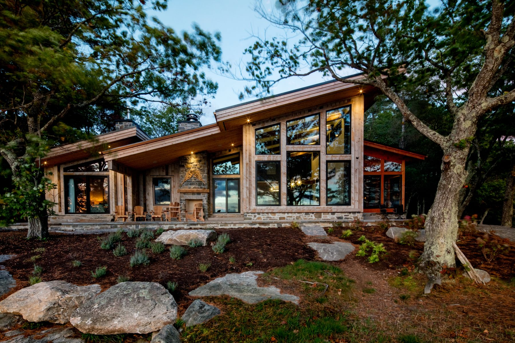 Contemporary Rustic On The Lake Gilbert Burke Modern Lake House Mountain Home Exterior Contemporary House Exterior