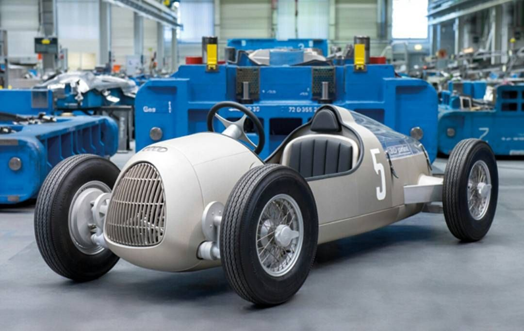 3D printed car! #art #design #inspriation #production #3d #3dprinting #car #cars #white #wheels #love #happy #beautiful #photooftheday #style #life #pretty #brilliant #inspire #elegant #fancy #concept #colorful #style #love #brand #new #mind by brandnewmind