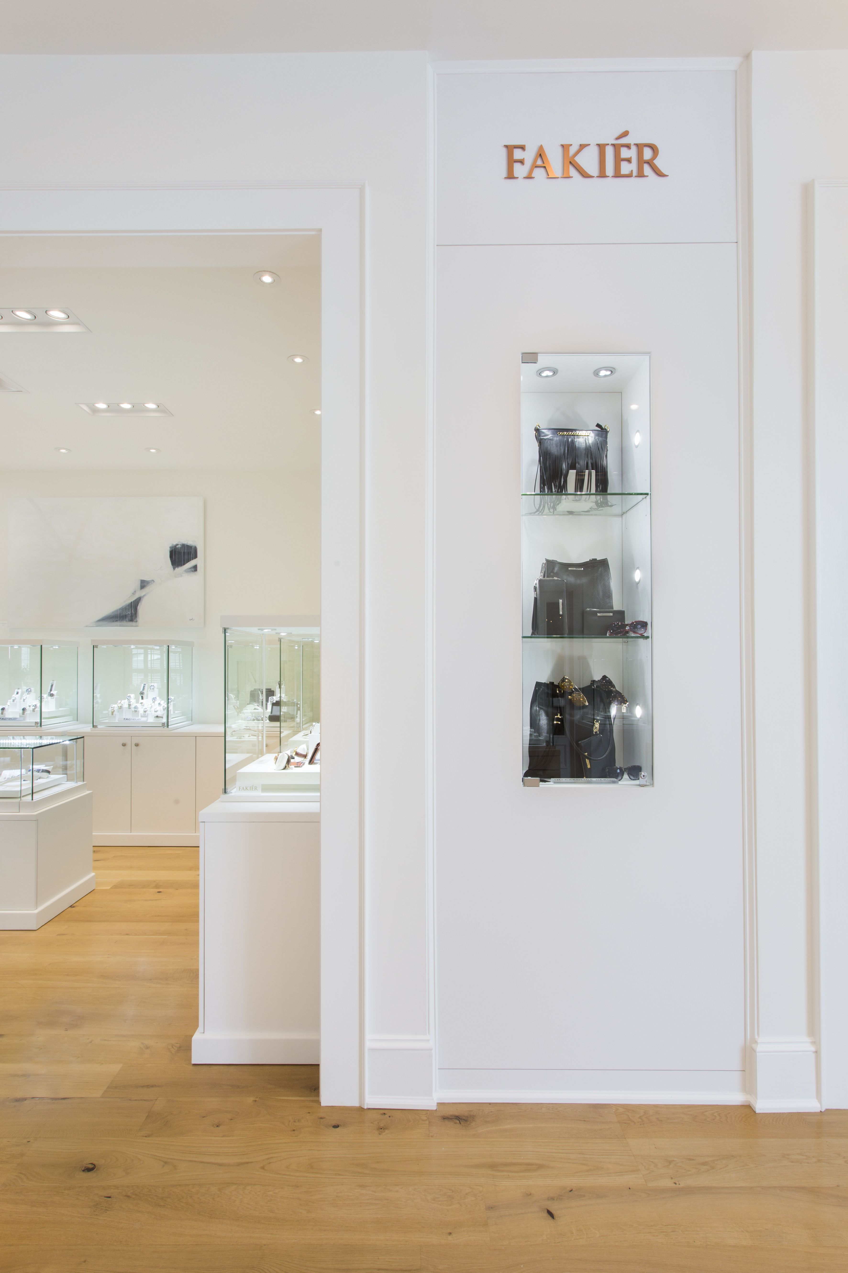 Fakier Jewelers Displays In 2020 Houma Traditional Architecture Home