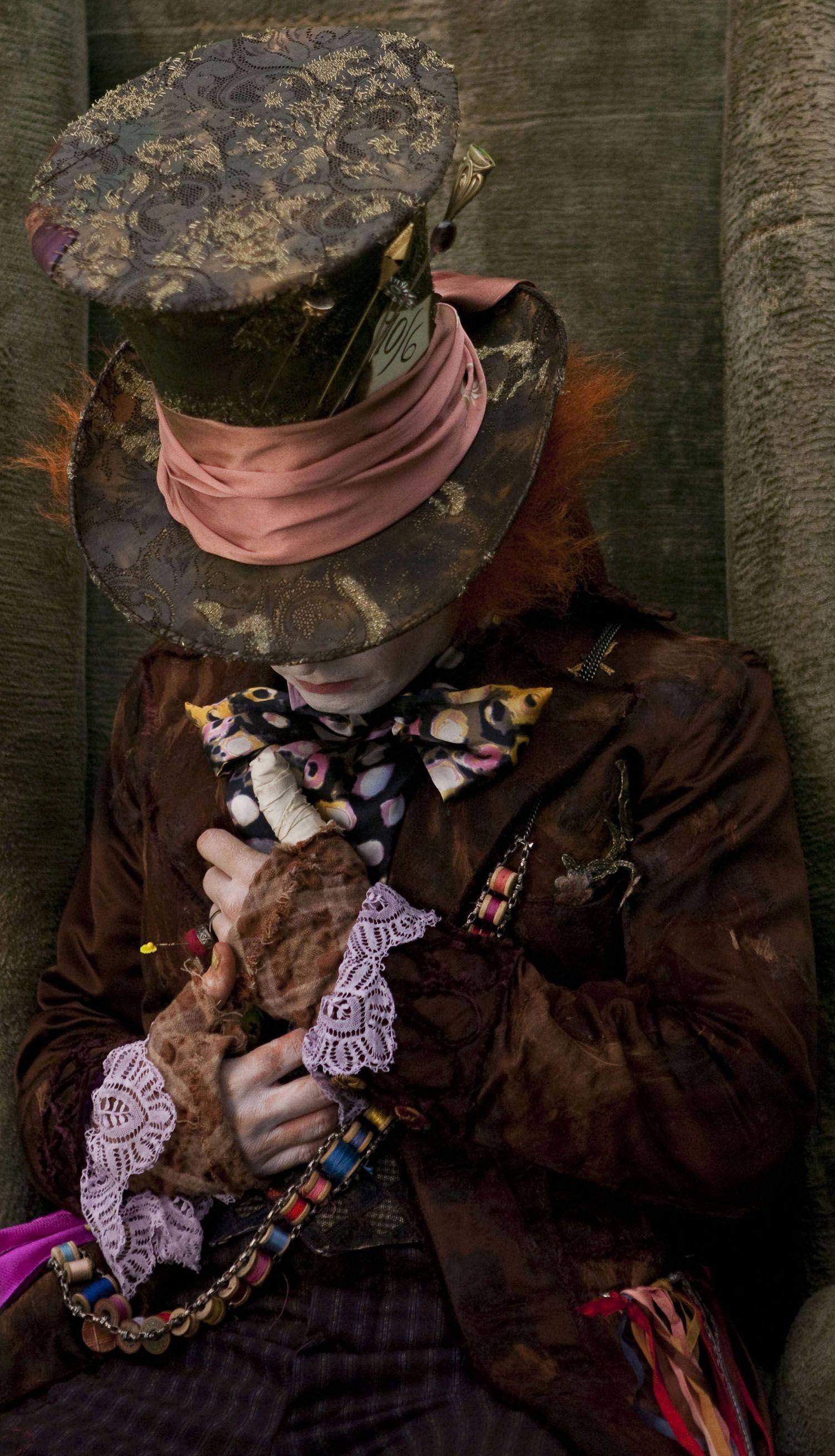 Alice In Wonderland Alice In Wonderland Johnny Depp Episode39 Cappellaio Matto Sfondo Con Motivo Disney Dipinti Disney