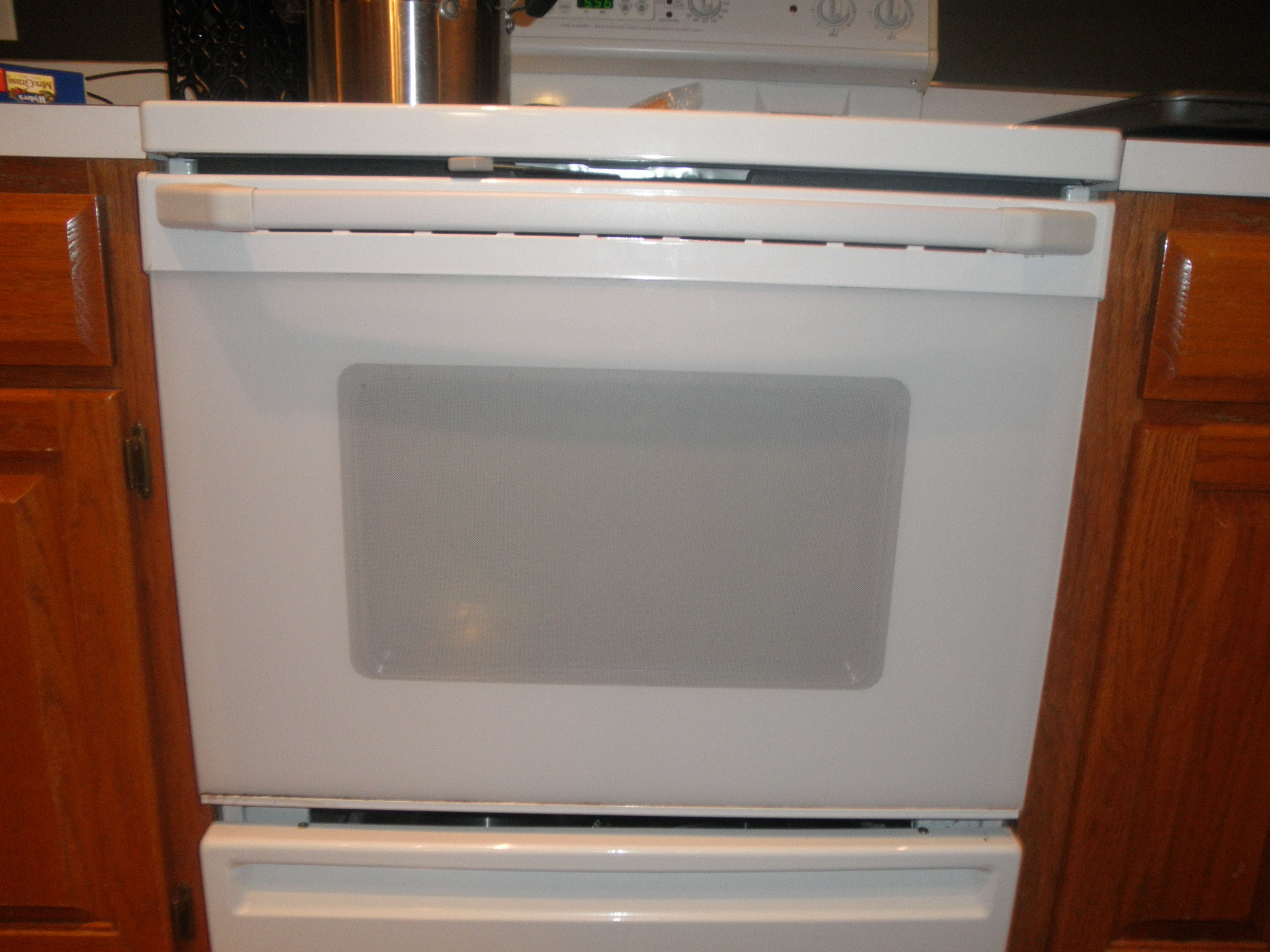 images?q=tbn:ANd9GcQh_l3eQ5xwiPy07kGEXjmjgmBKBRB7H2mRxCGhv1tFWg5c_mWT How To Remove My Oven Door