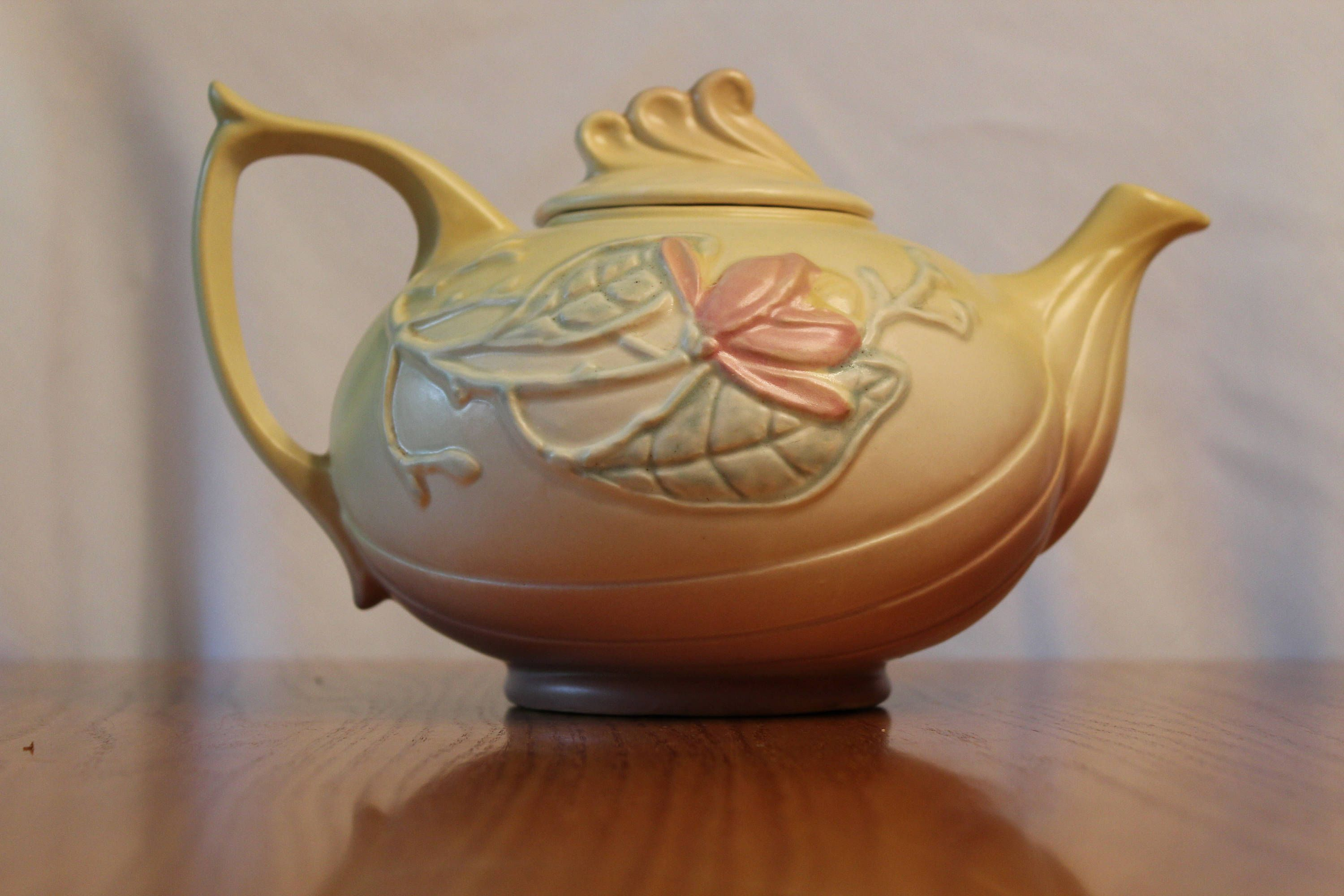 Hull Art Magnolia Pottery Tea Pot - 23-6 1/2 by CandDTreasures on Etsy